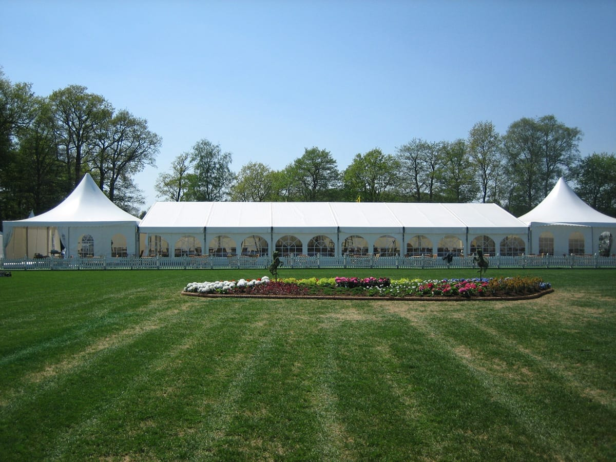 A HÖCKER P Series event tent with high peak roof components